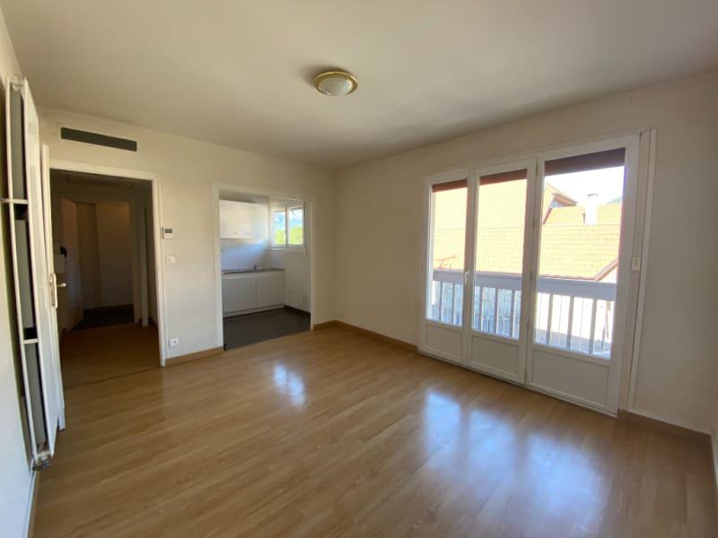 Rental apartment Saint pierre en faucigny 445€ CC - Picture 2