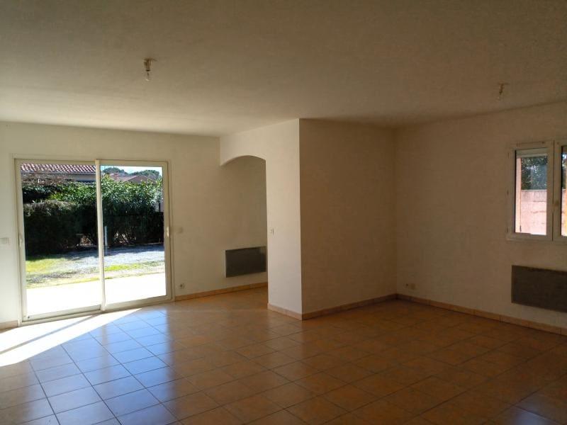 Rental house / villa Lunel 990€ CC - Picture 2
