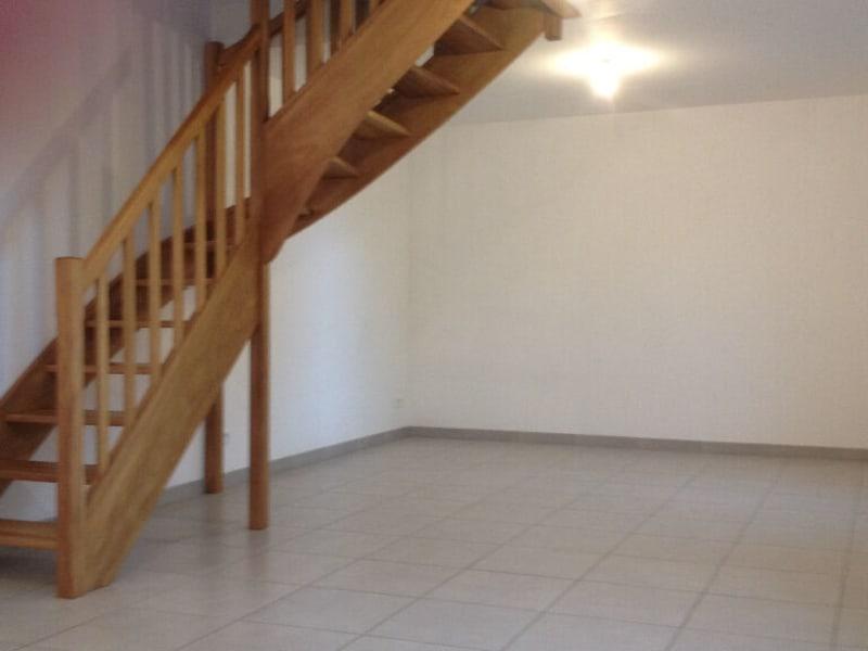 Location maison / villa Isbergues 550€ CC - Photo 3