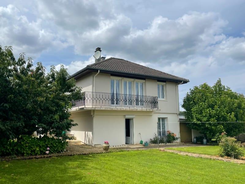 Sale house / villa Dom le mesnil 136500€ - Picture 2