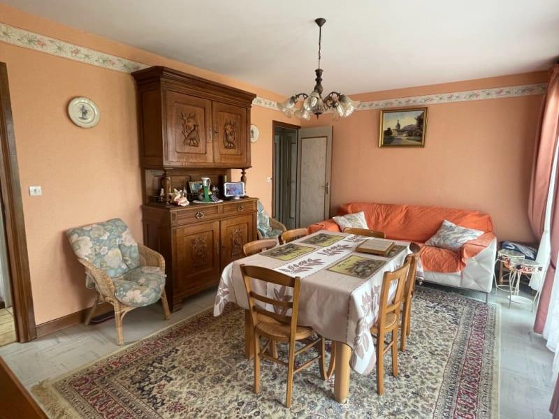 Sale house / villa Dom le mesnil 136500€ - Picture 4