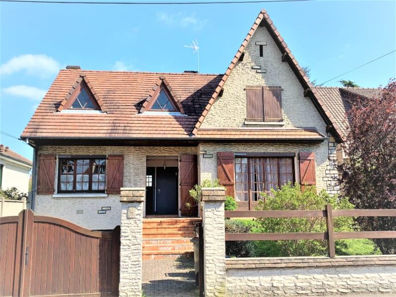 Sale house / villa Athis mons 388000€ - Picture 1