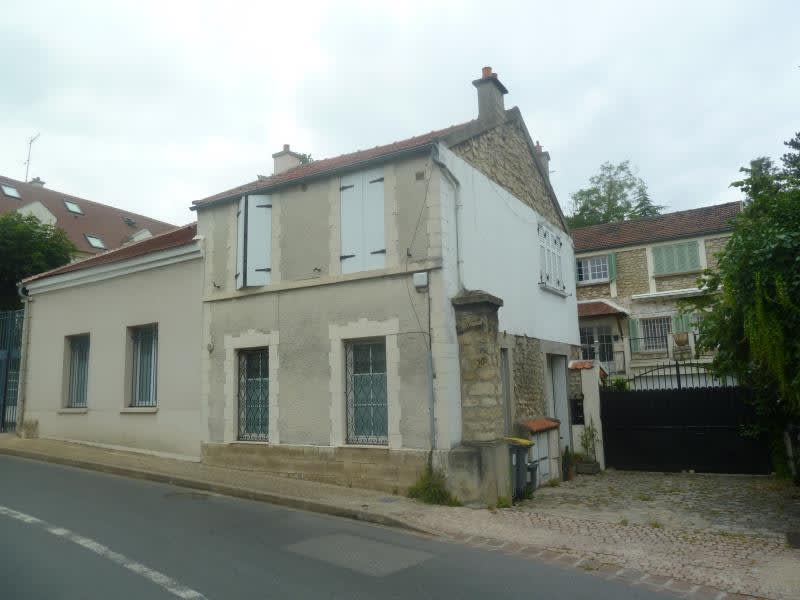 Rental house / villa Andresy 822,58€ CC - Picture 1