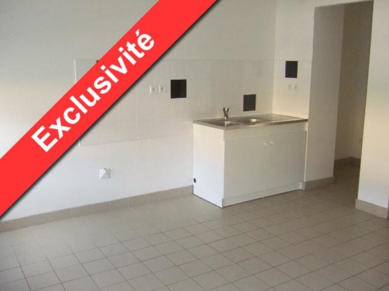 Rental apartment Aire sur la lys 548€ CC - Picture 1