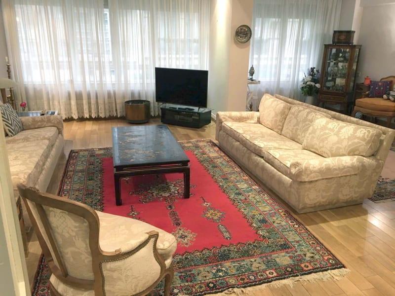 Sale apartment Paris 16ème 850000€ - Picture 2