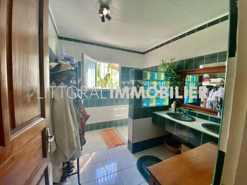 Sale house / villa La rivière 254400€ - Picture 7