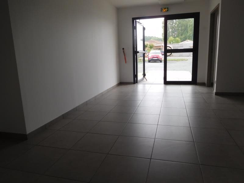 Rental empty room/storage La lande de fronsac 650€ HC - Picture 3