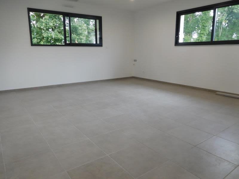 Rental empty room/storage La lande de fronsac 650€ HC - Picture 5