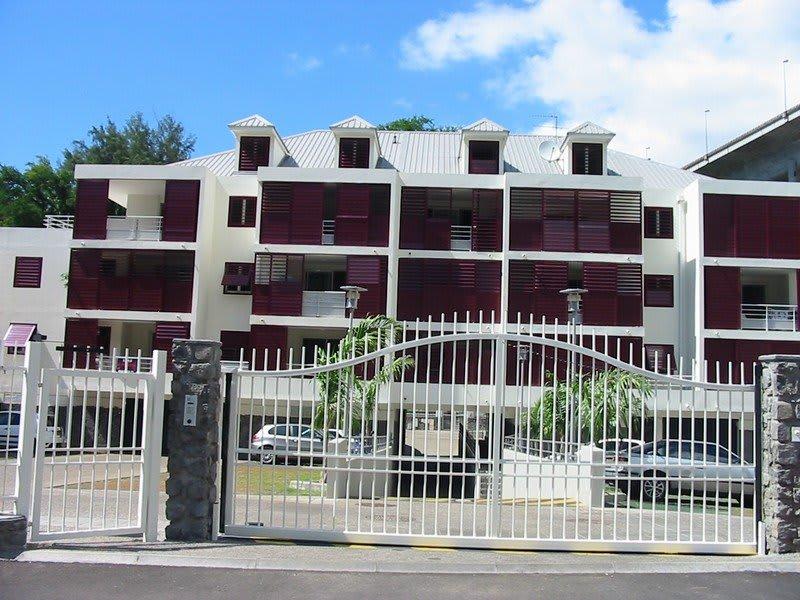 Location appartement St denis 675€ CC - Photo 1