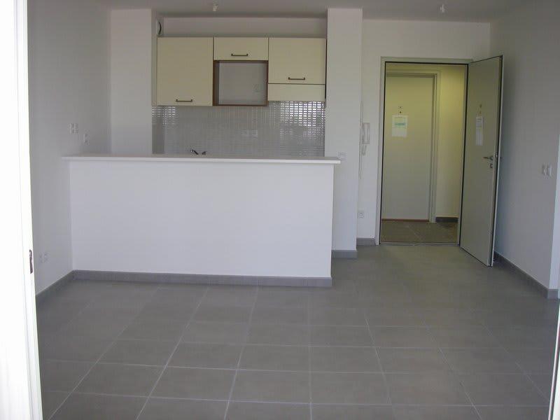 Location appartement St denis 675€ CC - Photo 3