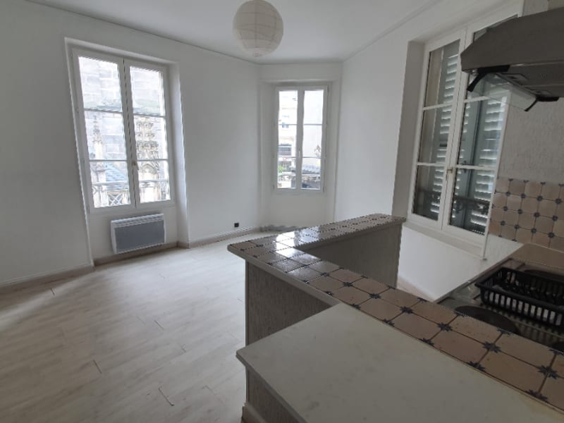 Rental apartment Melun 605€ CC - Picture 1