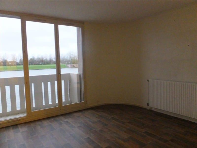 Rental apartment Montigny le bretonneux 795€ CC - Picture 3