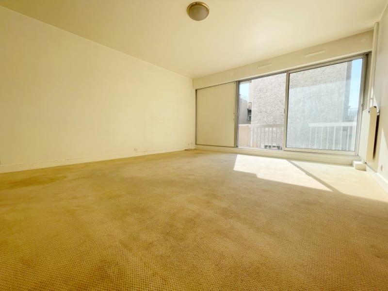 Sale apartment Paris 20ème 520000€ - Picture 1