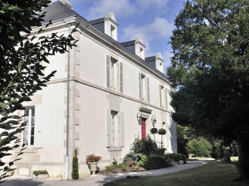 Vente maison / villa Velluire 517600€ - Photo 2
