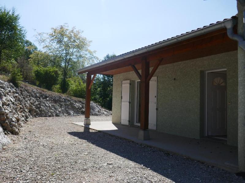 Location maison / villa Ceignes 770€ CC - Photo 2