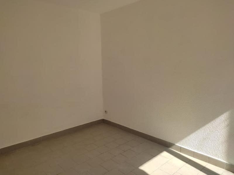 Location appartement Roanne 245€ CC - Photo 3