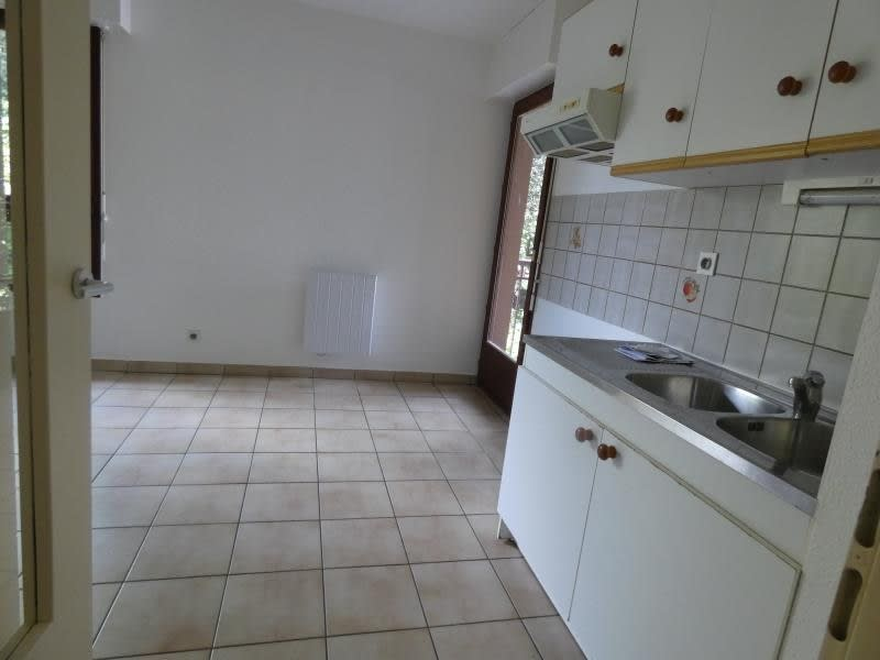 Rental apartment Thyez 640€ CC - Picture 4