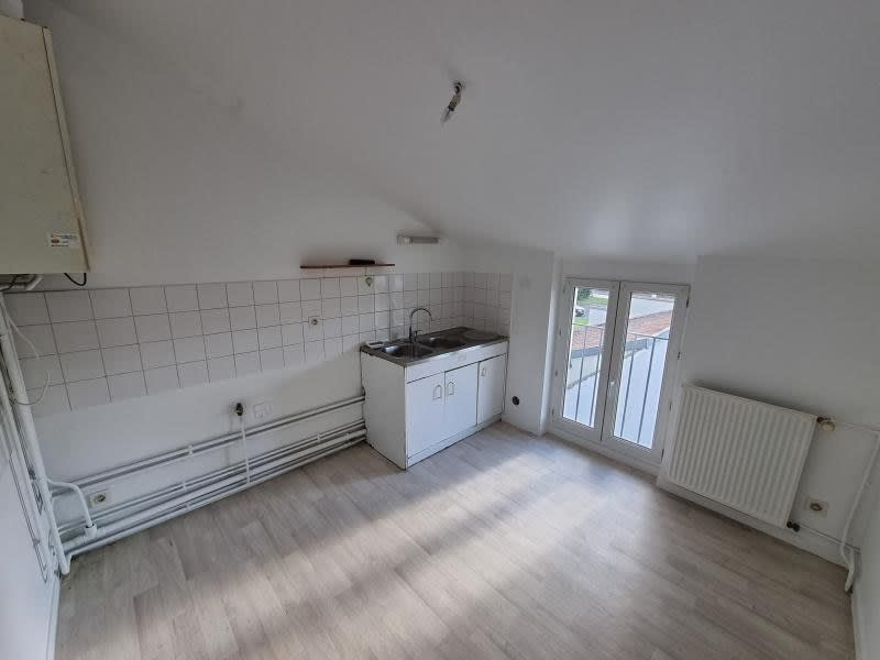 Rental apartment Oyonnax 335€ CC - Picture 5