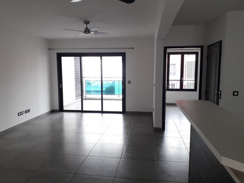 Rental apartment St denis 1500€ CC - Picture 2