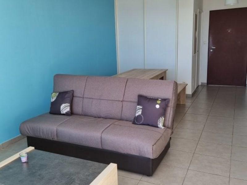 Location appartement Bois de nefles 895€ CC - Photo 4
