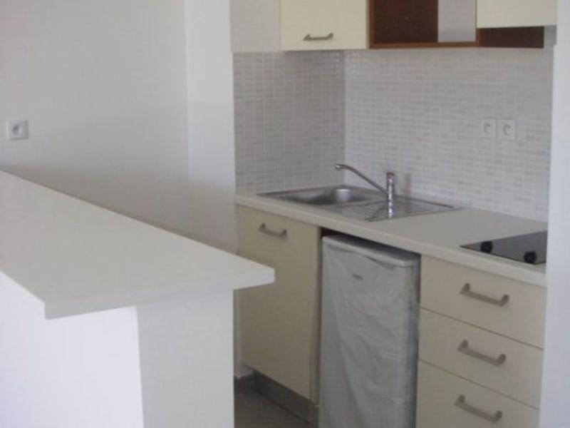 Location appartement St denis 675€ CC - Photo 2