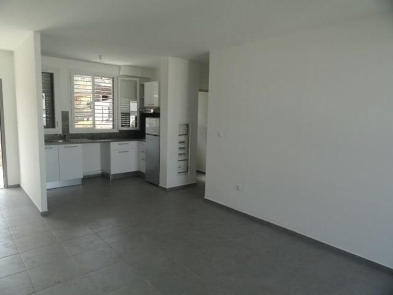 Location appartement La saline les bains 740€ CC - Photo 2