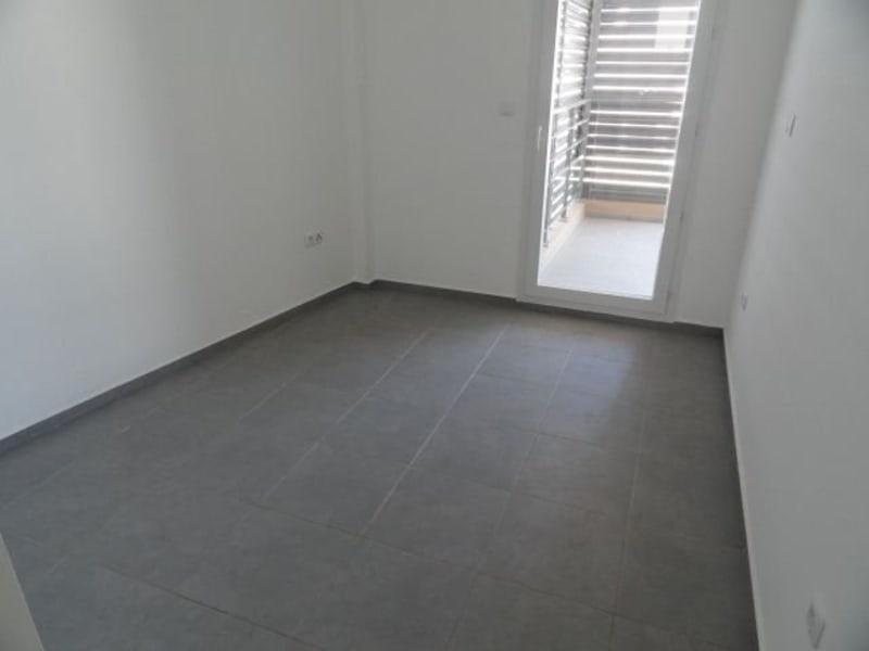 Location appartement La saline les bains 740€ CC - Photo 7