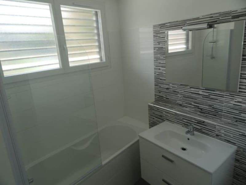 Location appartement La saline les bains 740€ CC - Photo 8