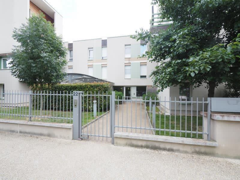 Rental apartment Bois d arcy 950€ CC - Picture 1
