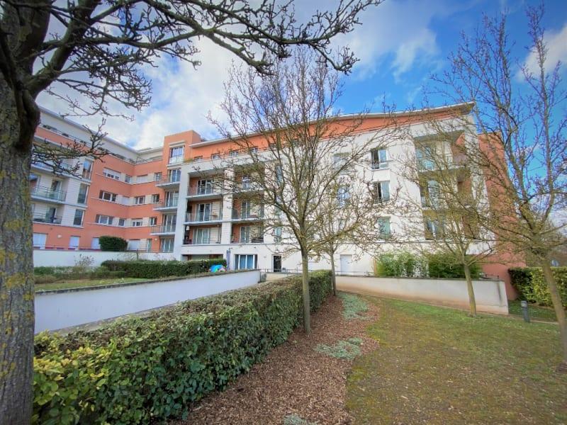 Rental apartment Saint ouen l aumone 950€ CC - Picture 1