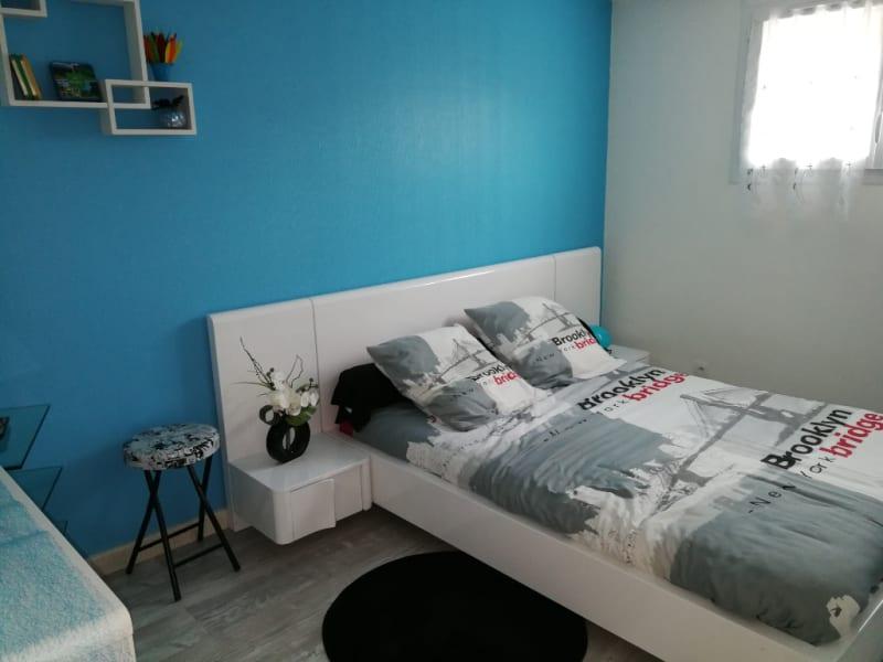 Sale house / villa Aiffres 218400€ - Picture 5