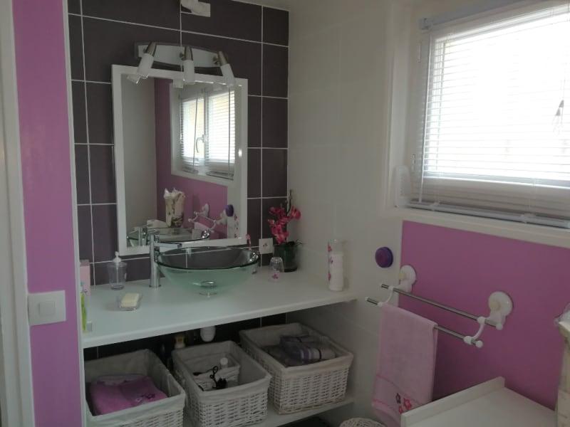 Sale house / villa Aiffres 218400€ - Picture 8