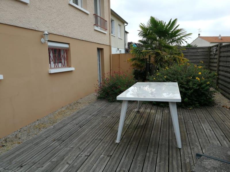 Sale house / villa Aiffres 218400€ - Picture 9