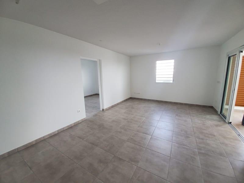 Location appartement Saint joseph 1008,03€ CC - Photo 8
