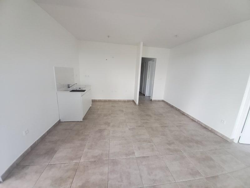 Location appartement Saint joseph 1008,03€ CC - Photo 12