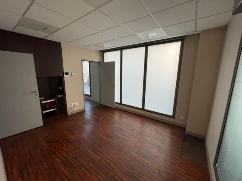 Rental empty room/storage Lyon 6ème 900€ HC - Picture 2