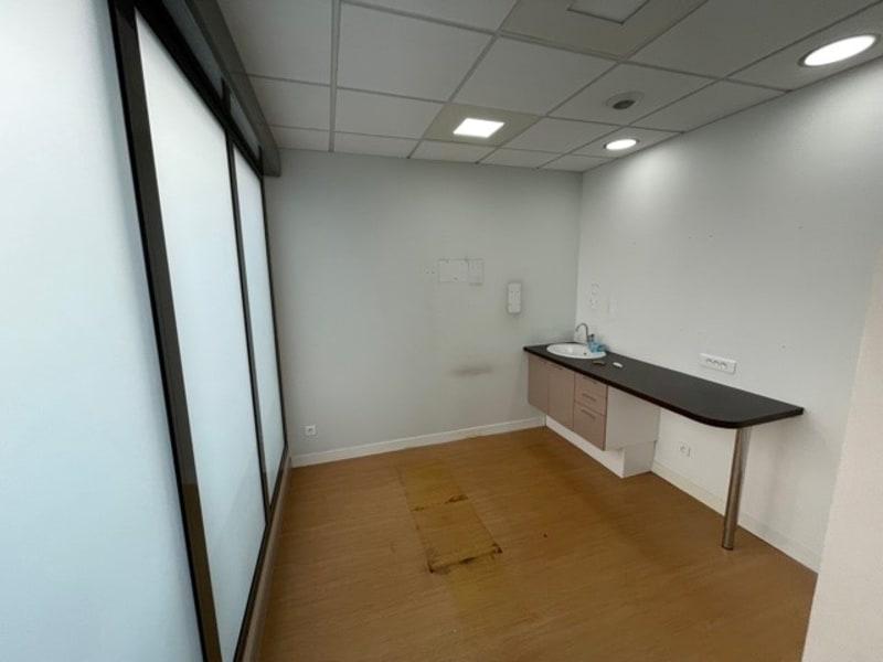 Rental empty room/storage Lyon 6ème 900€ HC - Picture 4