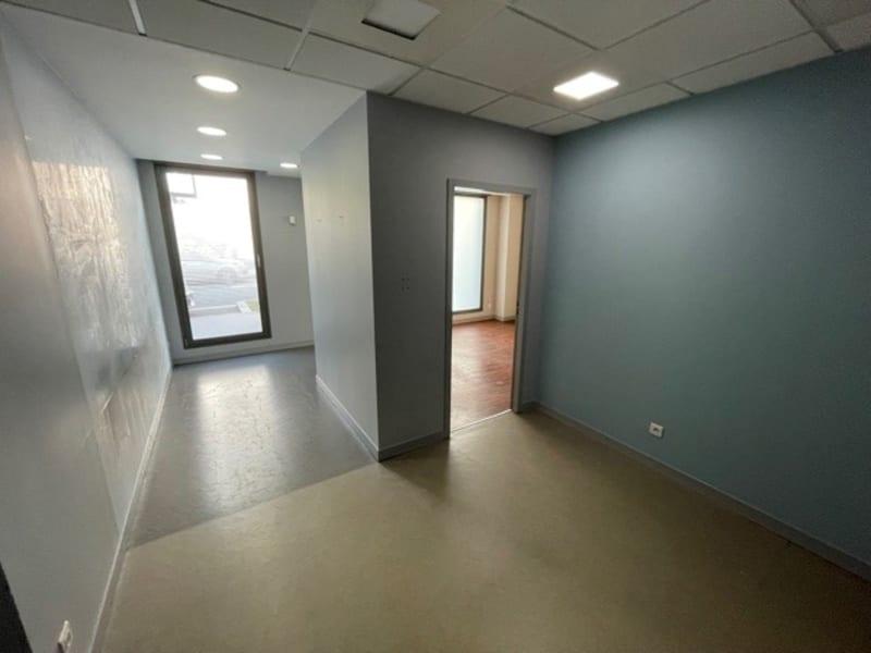 Rental empty room/storage Lyon 6ème 900€ HC - Picture 5