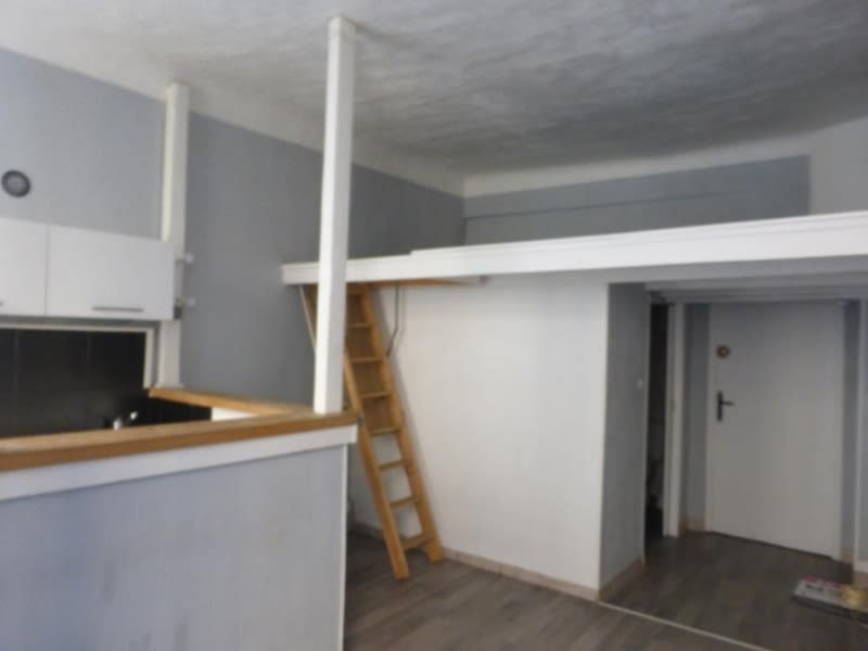 Rental apartment Barjols 350€ CC - Picture 2