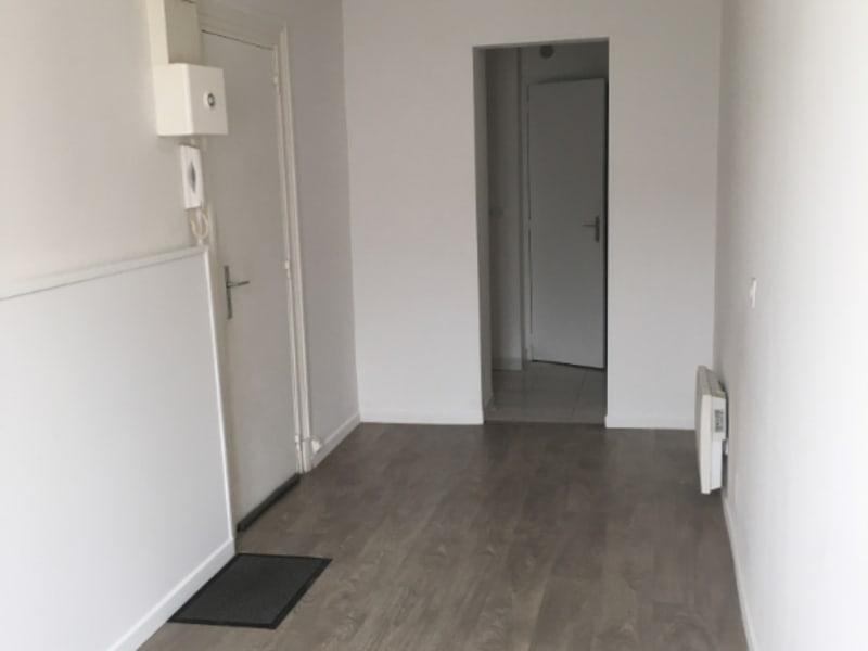 Location appartement Saint quentin 285€ CC - Photo 10