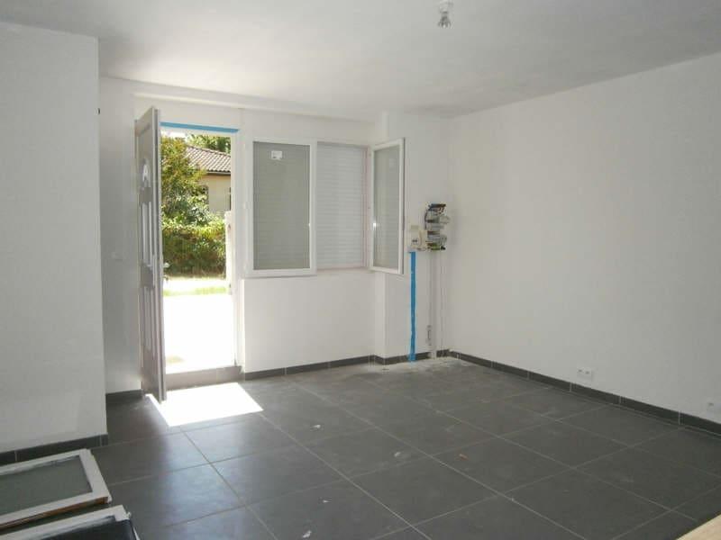 Location maison / villa Prignac et marcamps 617€ CC - Photo 2