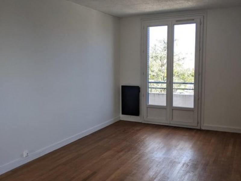 Sale apartment Lyon 8ème 199000€ - Picture 2