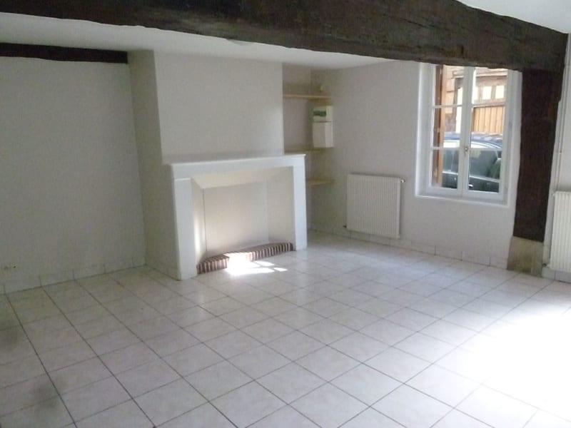 Location maison / villa Verneuil d avre et d iton 588,40€ CC - Photo 3