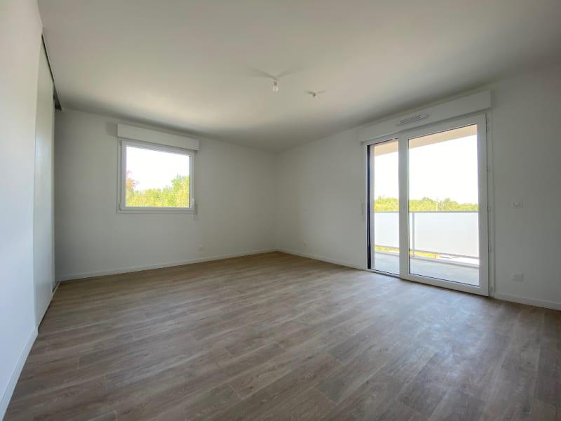 Rental apartment Saint jean d illac 540€ CC - Picture 1