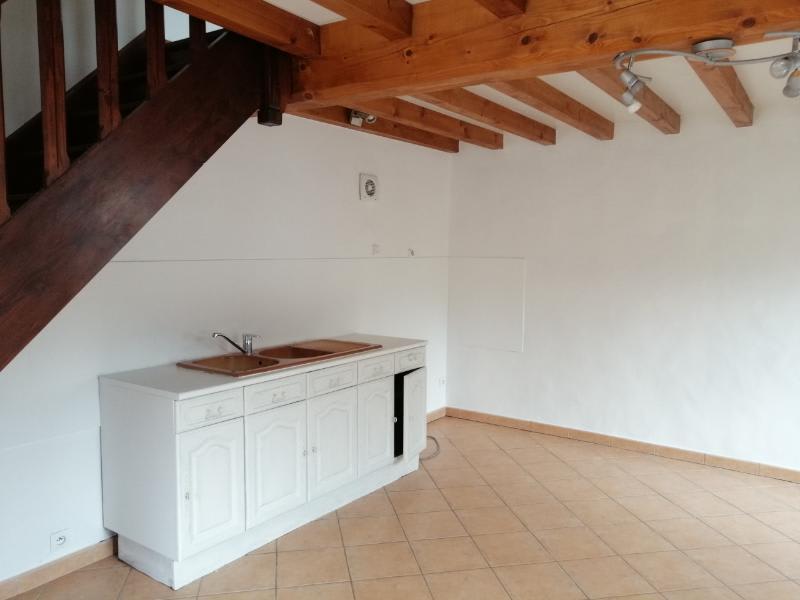 Location maison / villa St forgeux 350,40€ CC - Photo 2