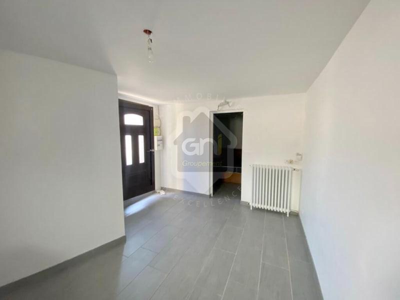 Sale apartment Mesnil le roi 200000€ - Picture 2