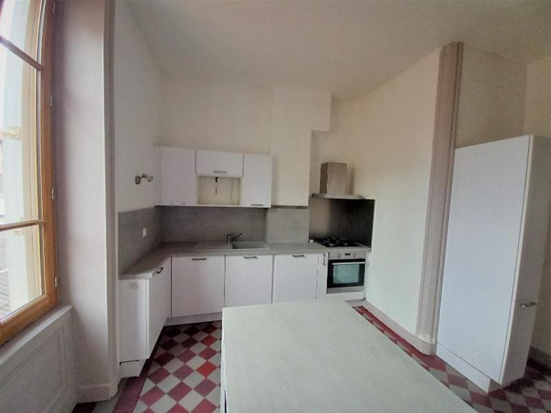 Location appartement Villefranche sur saone 877,71€ CC - Photo 3
