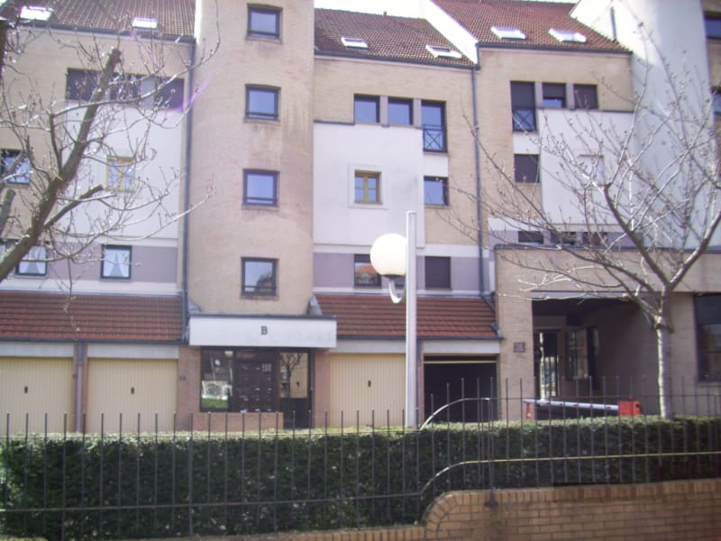 Rental apartment St omer 345€ CC - Picture 1