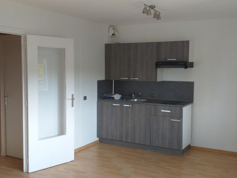 Rental apartment St omer 345€ CC - Picture 3