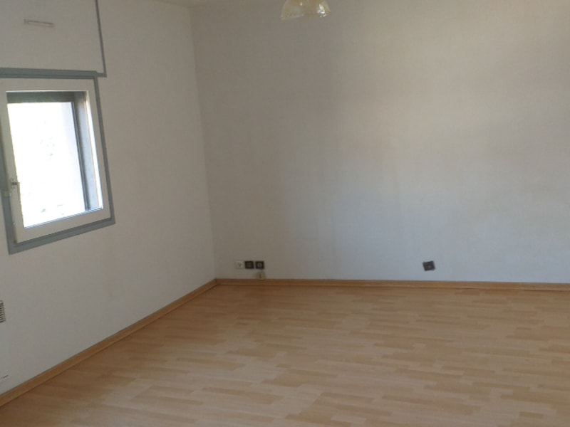 Rental apartment St omer 345€ CC - Picture 4